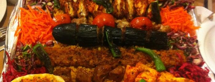 Aramzar Cafe&Rest is one of Lugares favoritos de Hakan.