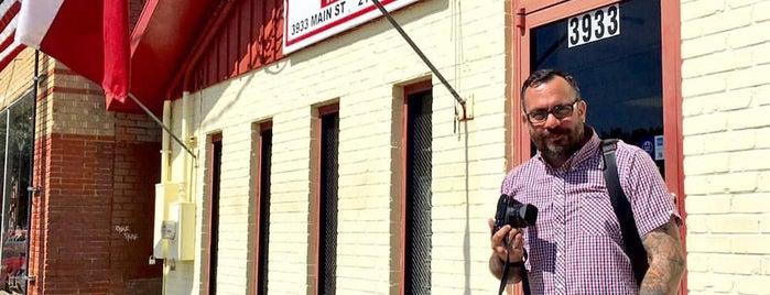 Mac's Bar-B-Que is one of Tempat yang Disimpan Travis.