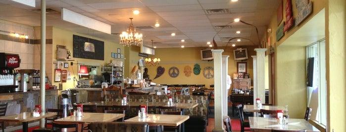 Highlands Cafe is one of Tempat yang Disimpan Jennifer.