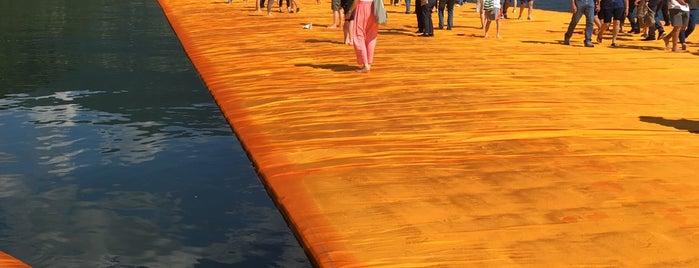 The Floating Piers - Sulzano is one of Lugares guardados de Jordan.