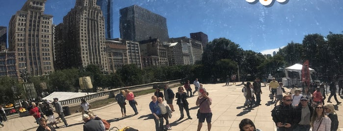 Cloud Gate by Anish Kapoor is one of Posti che sono piaciuti a Patrick.