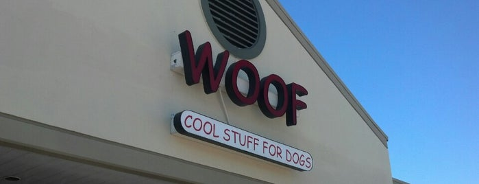 Woof Cool Stuff For Dogs is one of Lugares favoritos de Chelsi.