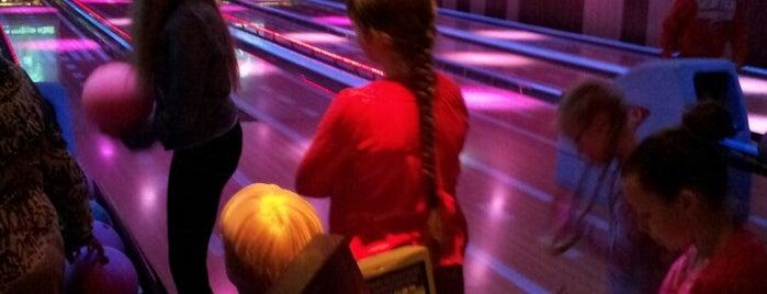 Bowlingcentrum de Schelmse Brug is one of Tempat yang Disukai Wendy.