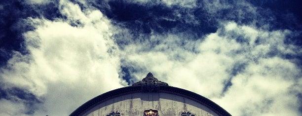 Kraton Ngayogyakarta Hadiningrat is one of Destination In Indonesia.