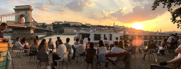 Pontoon is one of Budapest.