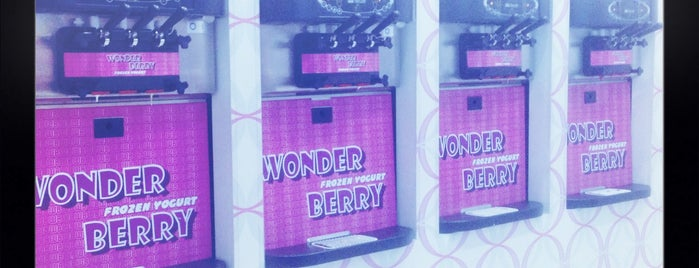Wonder Berry is one of Lieux sauvegardés par dara lynne.