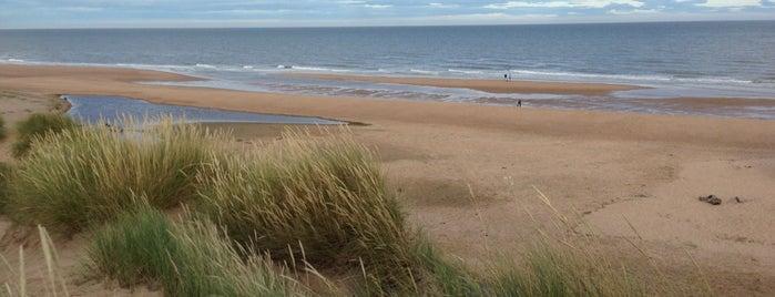 Balmedie Beach is one of Skotsko.