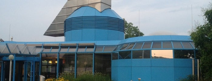 Mineralbad Leuze is one of Lieux qui ont plu à Chez.