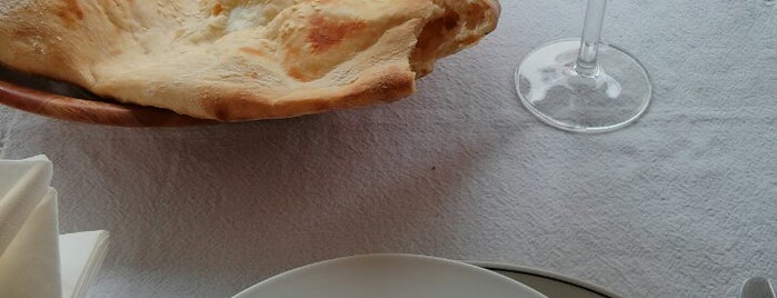 Turkish Grille Restaurant is one of Locais salvos de Tina.
