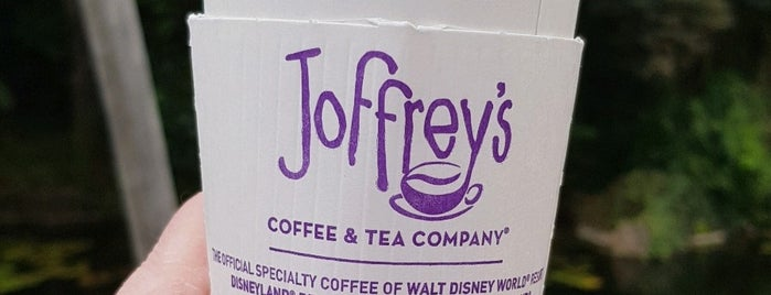 Joffrey's Coffee is one of Tempat yang Disukai Matthew.