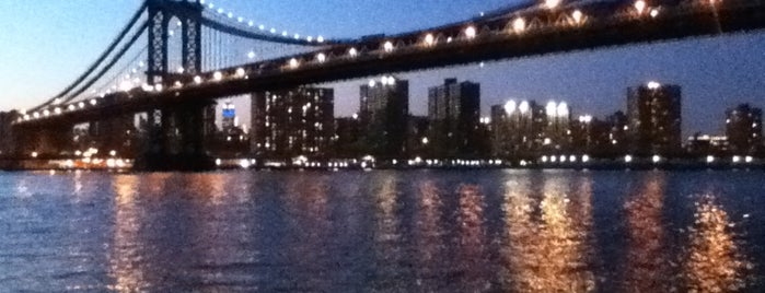 Brooklyn Bridge Park is one of Coolplaces Nyc.