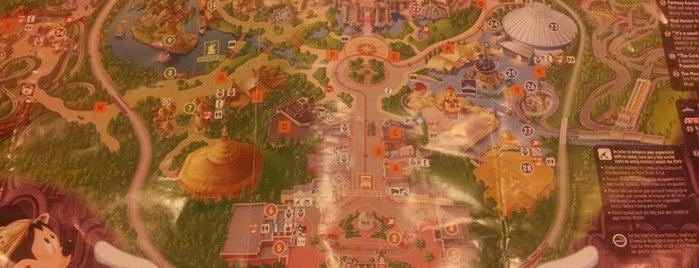 Hong Kong Disneyland is one of 香港CI之指南書.