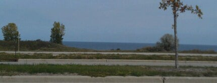 St. Francis Lakefront is one of Lugares favoritos de Danny.