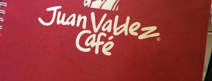 Juan Valdez Café is one of Locais curtidos por Vane.