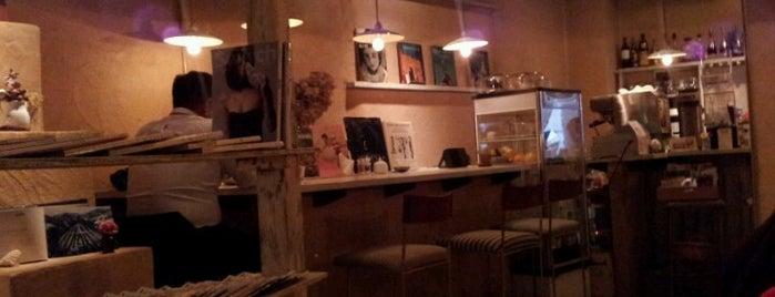 cinnamon cafe is one of Okinawa.