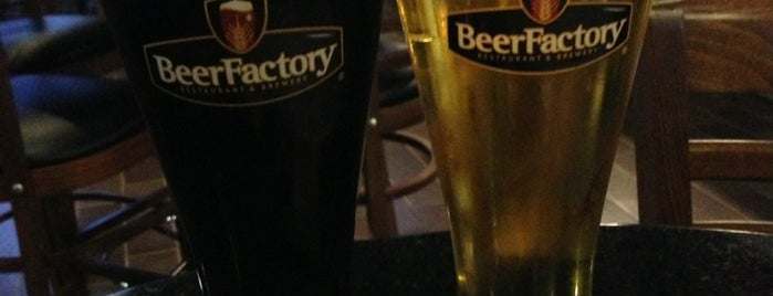 Beer Factory is one of Lugares favoritos de Ricardo.