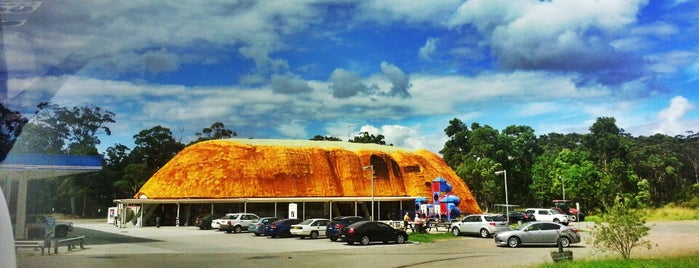 The Ayres Rock Roadhouse is one of Big Things.