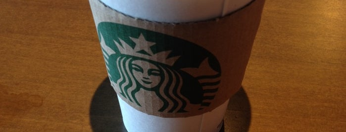 Starbucks is one of 💫Cocoさんのお気に入りスポット.