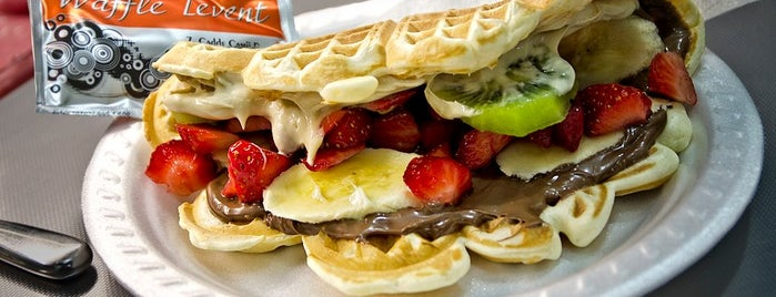 Levent Waffle is one of Locais curtidos por Umut.