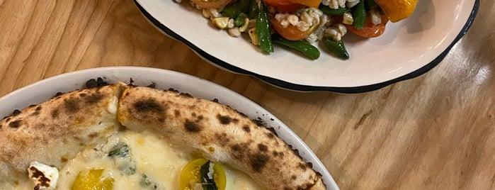 il Casaro Pizzeria & Mozzarella Bar is one of Orte, die Andres gefallen.