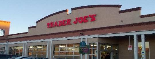 Trader Joe's is one of สถานที่ที่ Ethan ถูกใจ.