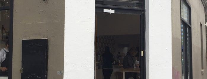 Aucuba Coffee is one of Henrik : понравившиеся места.