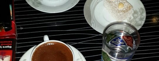 kahve keyfi is one of Lieux qui ont plu à MMÇ.