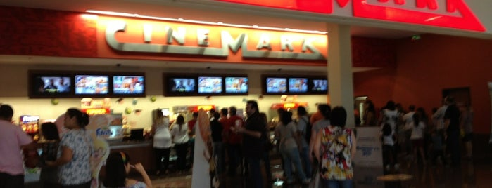 Cinemark is one of Lugares favoritos de Wellington.
