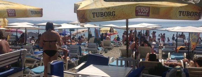 Esinti Cafe Beach Club is one of Burcu'nun Beğendiği Mekanlar.
