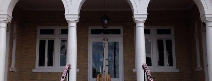 Sorosis Building is one of Tempat yang Disukai Sarah.
