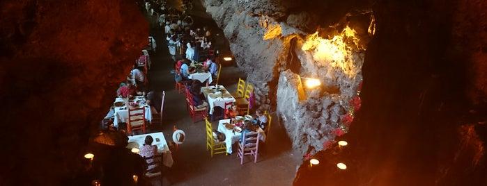 La Gruta Restaurant is one of Orte, die Sandra gefallen.