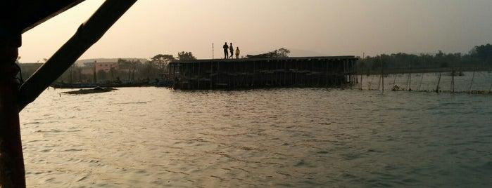 Chilika Lake is one of India: Odisha.