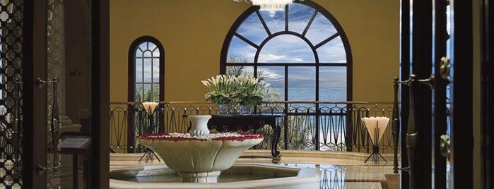 The Ritz-Carlton Dubai is one of Vincent : понравившиеся места.