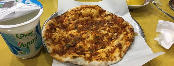 Bayburt Pide Salonu is one of Francoさんの保存済みスポット.