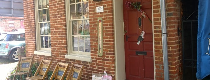 Pippi's Pen Shoppe is one of First Friday: Patriotic Days.