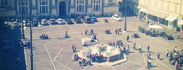 Piazza del Popolo is one of Lieux qui ont plu à Jonathon.