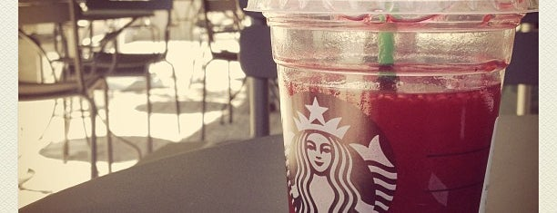 Starbucks is one of Locais curtidos por Jorge.