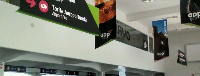 Aeropuerto Internacional Capitán FAP José A. Quiñones González (CIX) is one of Lugares favoritos de Paola.