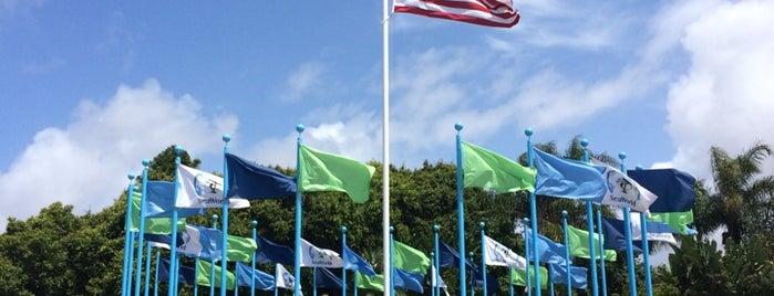 SeaWorld Annual Passport Member Entrance is one of Robert 님이 좋아한 장소.