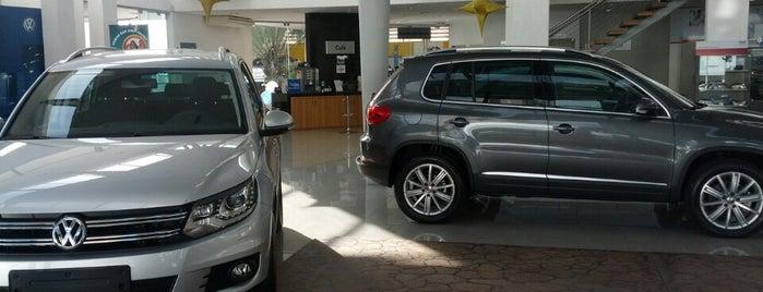 Green Automóveis VW is one of Posti che sono piaciuti a Akhnaton Ihara.