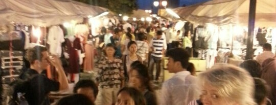 Phsar Reatrey | Night Market is one of cose da fare in cambogia.