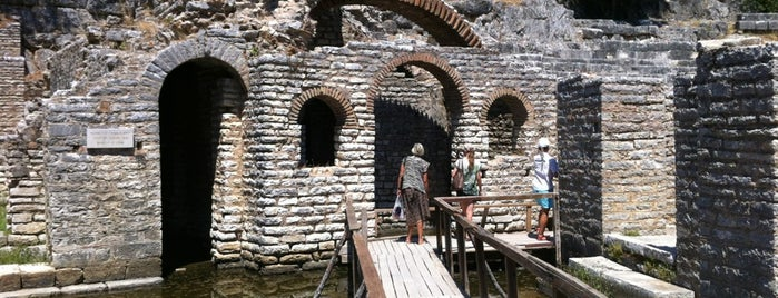 Butrint National Park is one of สถานที่ที่ Artemy ถูกใจ.
