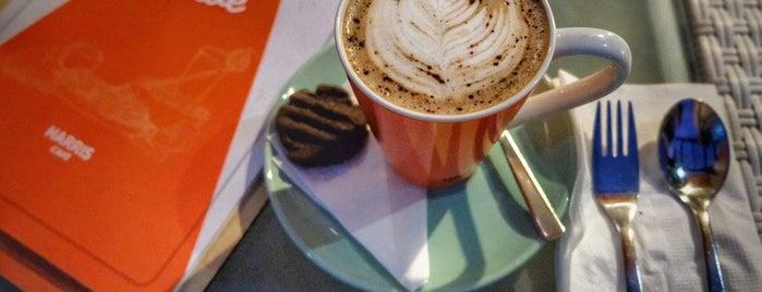 HARRIS Café is one of Orte, die Chloe gefallen.