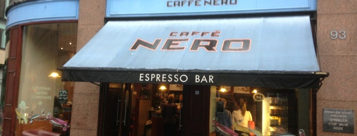 Caffè Nero is one of Lieux qui ont plu à Gordon.