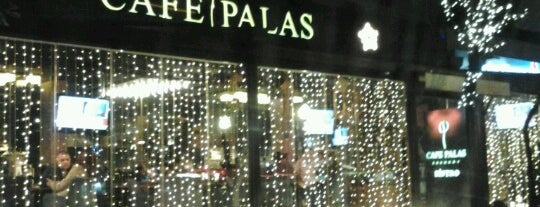 Cafe Palas is one of Orte, die Nagehan gefallen.