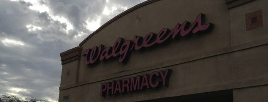 Walgreens is one of Lieux qui ont plu à Alejandro.