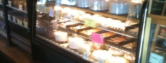 Marv's Bakery is one of Tempat yang Disukai Pete.