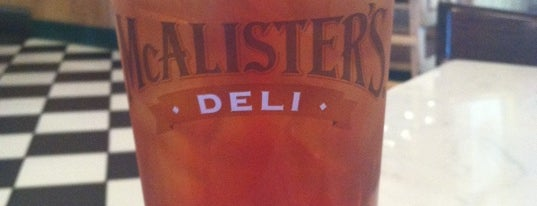 McAlister's Deli is one of Lugares favoritos de Jason.
