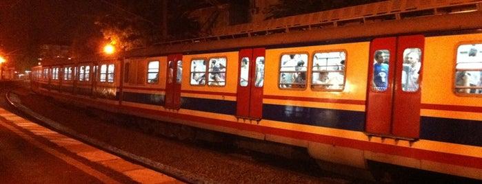 Küçükyalı Tren İstasyonu is one of Haydarpaşa - Pendik Banliyö / Suburban.