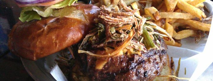Lockdown Bar & Grill is one of Chicagoist's Top Burger List.
